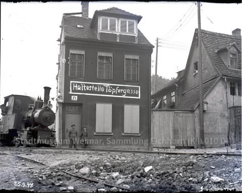 Die Töpfergasse 18, Weimar– alias Die »rote 18«. Stadtmuseum Weimar, Sammlung Eichhorn (KII010D)